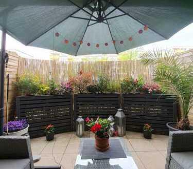 Einzigartig und perfekt! 2 Zimmer auf 96 qm mit schöner Terrasse