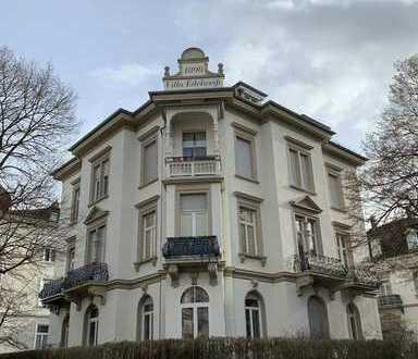 Stilvolle 3-Zimmer-Altbau-Wohnung im Dichterviertel