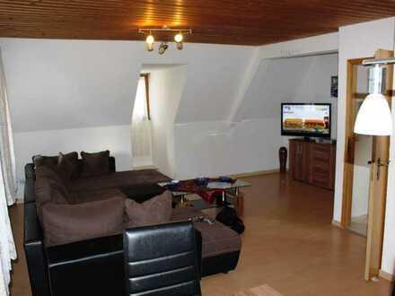 5 Zimmer Wohnung über 2 Etagen! Rendite Objekt!