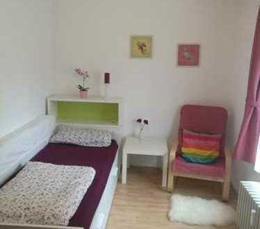 Schöne möblierte Zimmer in der Top Lage in Sindelfingen (Mindestmietdauer 6 Monaten)
