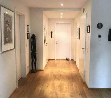 Höchste Qualität bis ins Detail: 4-Zi.-Penthouse in super Lage