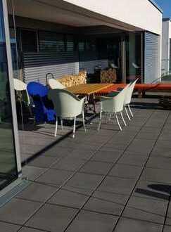 Hell und modern: Luxus-Penthouse nur 20 Minuten zum Airport Düsseldorf