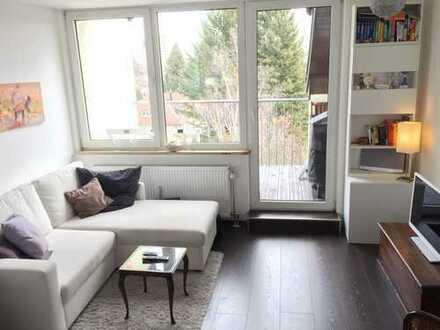 Wunderschöne, möblierte 2-Zimmer Dachgeschosswohnung / Beautiful rooftop apartment with nice view