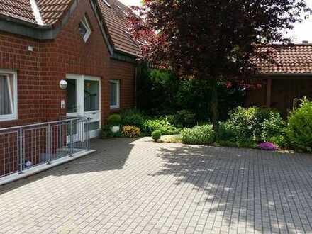 Gemütliche Erdgeschosswohnung mit Garten