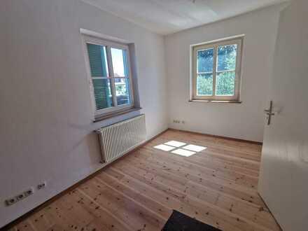 Schöne, geräumige vier Zimmer Wohnung in Esslingen (Kreis), Filderstadt