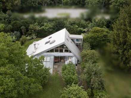 Suchen Sie das Außergewöhnliche? Großes Künstlerhaus in den Isarauen