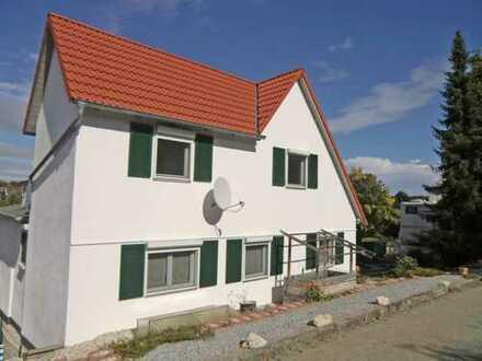 Einziehen und Wohlfühlen !!!! Liebevoll renoviertes Einfamilienhaus mit Garage und Stellplatz in Sa