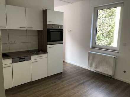Neu RENOVIERTE 1-Zimmer-Wohnung mit Einbauküche in Heilbronn