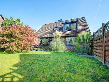 Der Vielseitigkeitsweltmeister! Großzügiges Zweifamilienhaus im Herzen von Klausdorf!