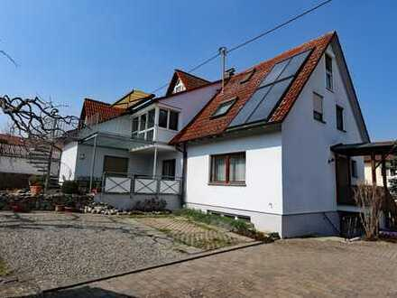 Charmantes Zweifamilienhaus in ruhiger Lage