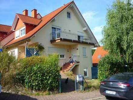 Großzügige, sonnige Doppelhaushälfte mit fünf Zimmern in Aschaffenburg (Kreis), Krombach