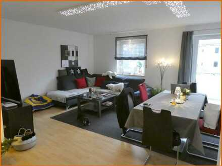 Gepflegte Drei-Zimmer-Wohnung mit Balkon und Einbauküche in sehr guter Lage am Georgipark