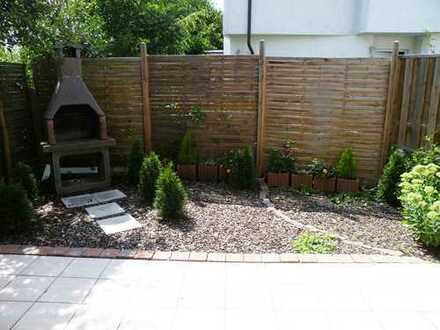 Schöne Wohnung mit Terrasse und Garten nach Westen zum Hinterhof