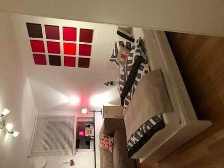Vermiete modern eingerichtetes Zimmer (15qm) an Pendler/in in Nippes