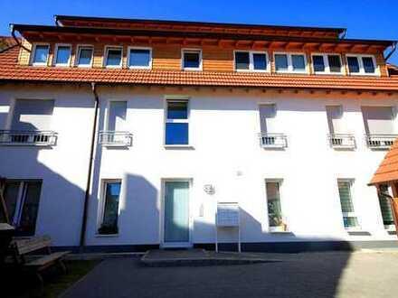 Hier sind Sie zuhause: Ruhig gelegene 2-Zimmer-Wohnung mit Terrasse mitten in Seckenheim