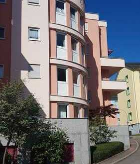 schöne 3 Zimmer Wohnung mit 2 Balkone im 3. OG