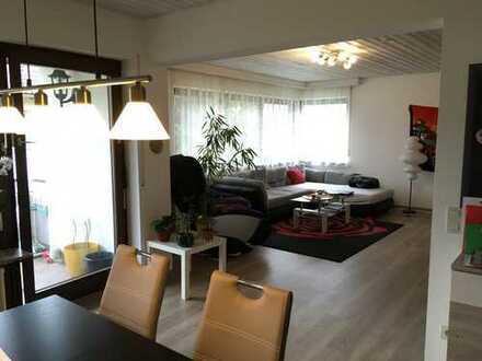 Wunderschöne 3,5 Zimmerwohnung in zentraler und ruhiger Lage