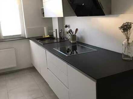 Exklusive, vollständig renovierte 3-Zimmer-Wohnung mit Balkon und EBK in Kornwestheim