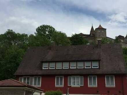 In Altstadtnähe: Freundliche, gepflegte 3-Zimmer-Wohnung mit Balkon in SHA