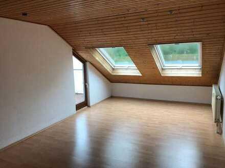 Heilbronn-Sontheim: 2 Zimmer DG-Wohnung mit Balkon und Einbauküche