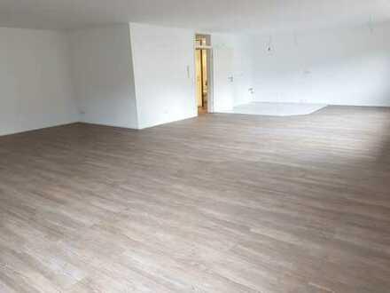 Traum von einer Wohnung; 2 Zimmer, 115 qm, stadtmittig