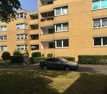 Helle Wohnung mit Balkon und Wannenbad