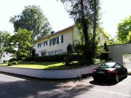 Großzügige Diplomatenvilla in ruhiger Bestlage in Bad Godesberg