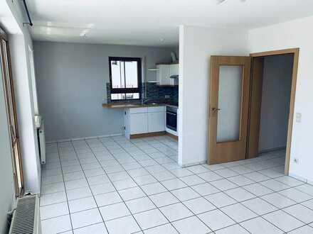Schöne 3-Raum-Wohnung mit EBK und Balkon in Siegelsbach