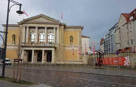 Gewerbe neben der Oper sucht neuen Mieter