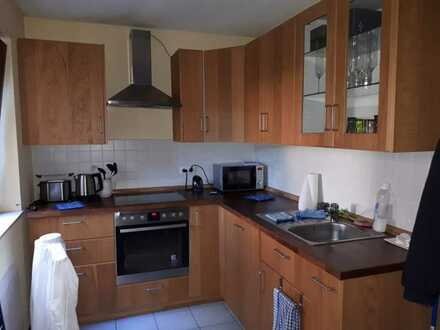 Gepflegte Hochparterre-Wohnung mit zwei Zimmern in Ludwigshafen