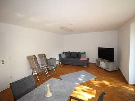 Studenten Wohngemeinschaft gesucht! Möblierte 3 Zimmer Wohnung.