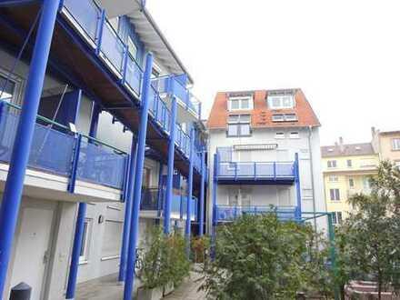 Schicke 2 Zimmer-Wohnung mit Balkon im Karlsruher Zentrum