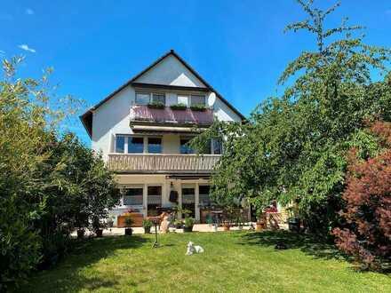 Dreifamilienhaus mit großem Garten!
