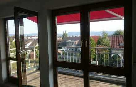 Vollständig renovierte 3-Zimmer-Maisonette-Wohnung mit Balkon und EBK in Schlaitdorf