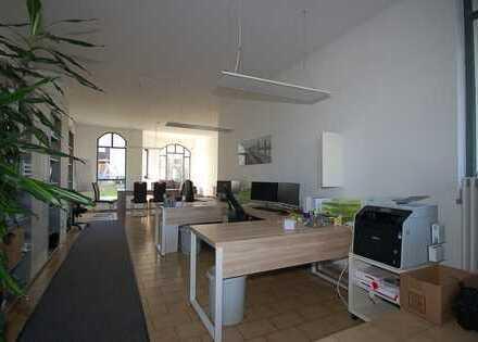 Attraktive, helle Laden, Praxis- oder Bürofläche, ca 52 qm, EG, Rosenheim