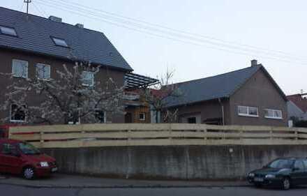 Gepflegte 3-Zimmer-Wohnung mit Balkon und EBK in Lenting