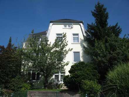 Gepflegte 50 QM Altbau Wohnung mit eineinhalb Zimmern in Baden-Baden