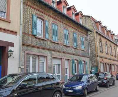 Ruhige und zentral gelegene 4 ZKB Dachgeschosswohnung