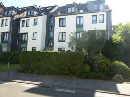 Gepflegte 2,5-Zimmer-Maisonette-Wohnung mit Balkon und Einbauküche in Bonn-Duisdorf