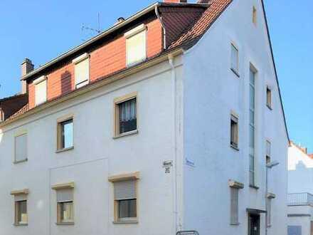 Modernisiertes Mehrfamilienhaus mit 24 Zimmern in Innenstadt, Kaiserslautern