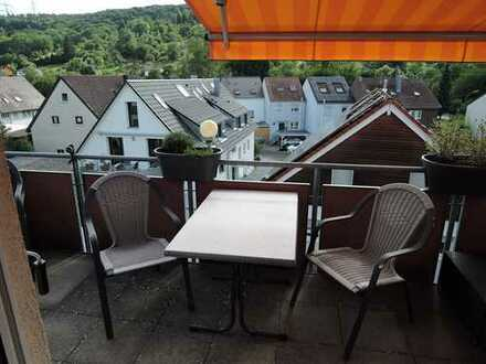 Attraktive 4-Zimmer-DG-Maisonette-Wohnung in ruhiger sonniger Aussichtslage