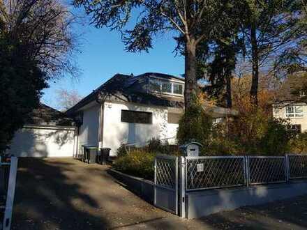 freistehendes Einfamilienhaus am Venusberghang
