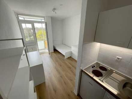 Stilvoll eingerichtete 1 Zimmer Wohnung mit Balkon und EBK