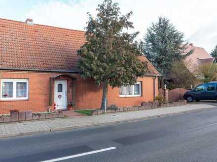 ☆ ☆ ☆ ☆ ☆ In Zettemin nahe Stavenhagen - geräumige Doppelhaushälfte, saniert, Garage ☆ ☆ ☆ ☆ ☆