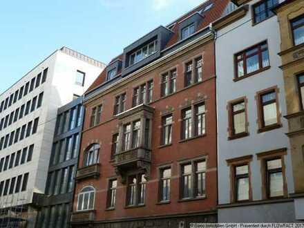 4-Zimmer-Wohnung mit EBK und Balkon für WG mitten in der City!