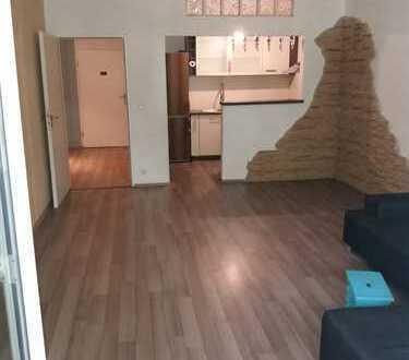 Stilvolle, gepflegte 2-Zimmer-Hochparterre-Wohnung mit Balkon und EBK in Gröbenzell