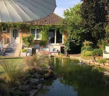 PROVISIONSFREI! Romantisches Landhaus mit Gartentraum, Teichanlage und direkter Waldrandlage