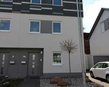 KL-Betzenberg/BBK-Park - Neubau: Modernes Wohnhaus mit EBK, kleinem Garten und Dachterrasse