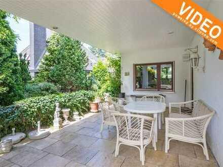 Großzügiges Traumhaus mit schöner Terrasse in verwunschenem Garten*