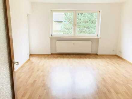 JETZT ZUGREIFEN: Renovierte 3-Zimmer Wohnung mit Balkon und Tageslichtbad!